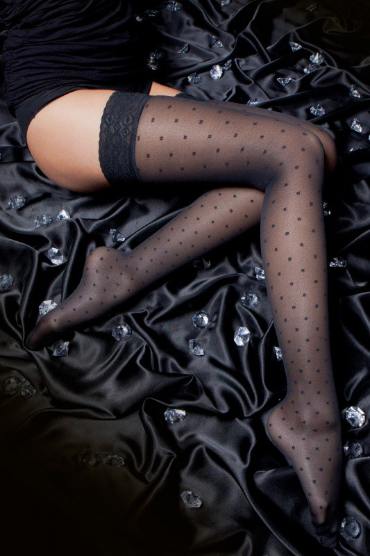 140 DEN ATTRACTION THIGH-HIGH STOCKINGS